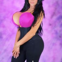 Popular trans babe Azeneth Sabrok is back with another set of bra busting solo poses