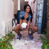 Mexican shemale Tania Quintilla plays with her shecock while outdoors